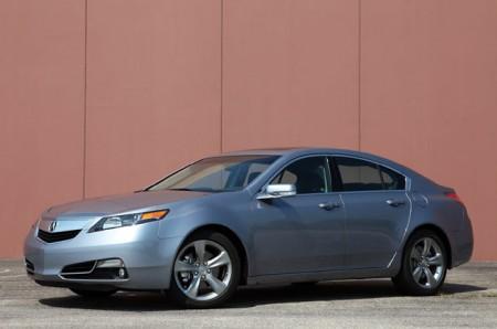 Acura RL чекає на зміни - легкість та економність