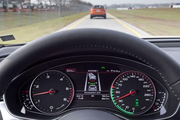 Audi A8 навчиться обходитися без водія