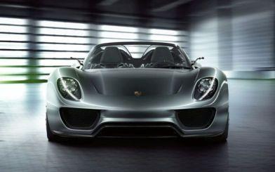 Спортивний гібрид від Porsche покажуть лише в наступному році