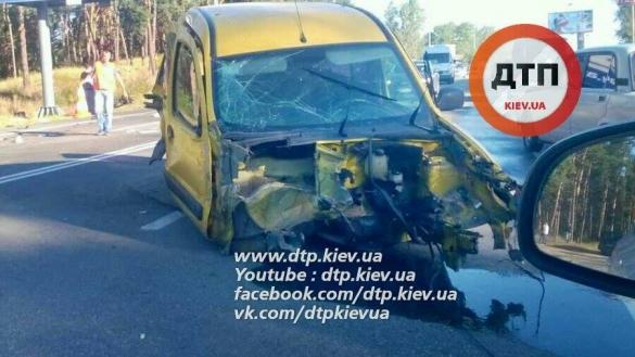 Масштабна ДТП у Києві: знищено 5 автомобілів