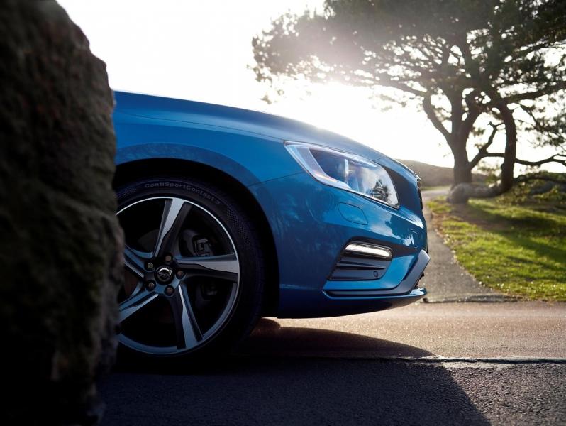 Гібридний Volvo V60 став спортивніший