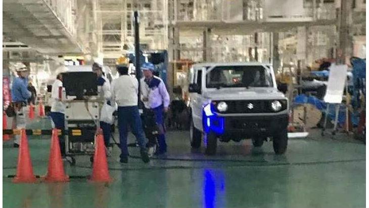 «Живі» фото позашляховика Suzuki Jimny нового покоління