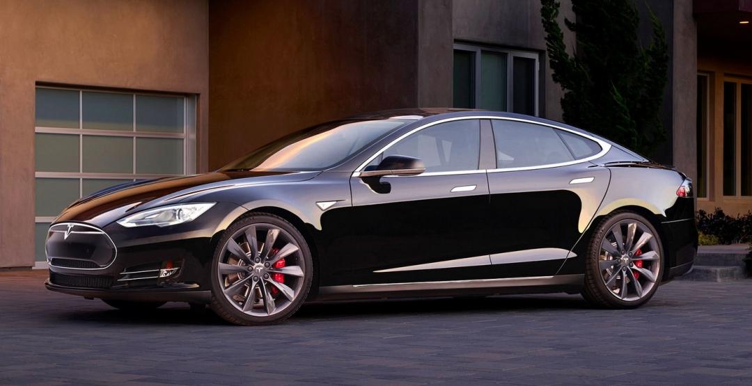 Tesla Model S 70D: найдешевний електромобіль компанії