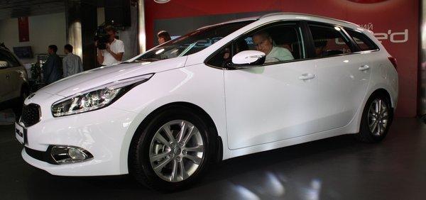В Україну приїхав Kia ceed Sportwagon. Ціна від 176 300 грн