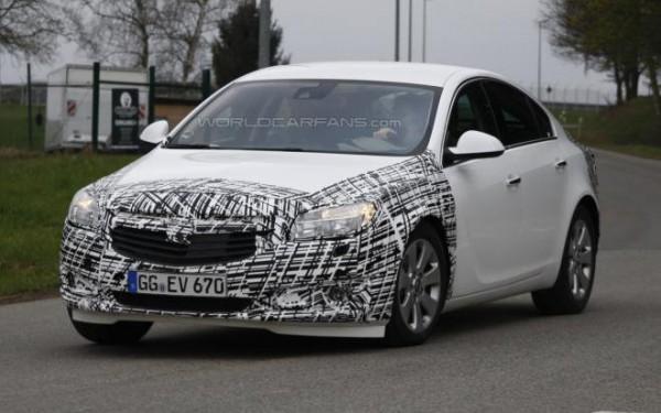 Рестайлінговий Opel Insignia