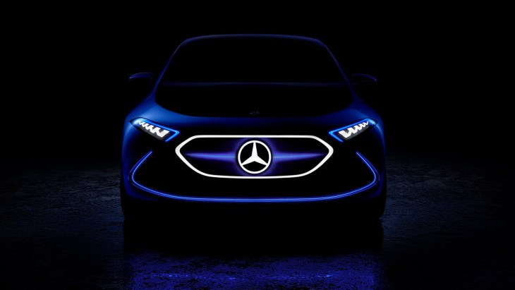 Mercedes показав