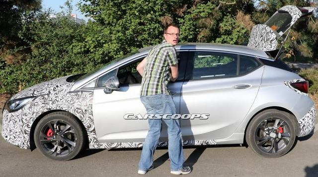 Opel Astra отримав новий дизайн та потужний двигун