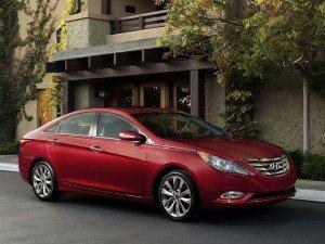 Компанія Hyundai має намір оновити свої середньорозмірні седани