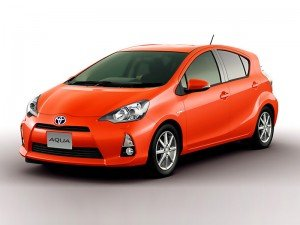 На Токійському автошоу компанія Toyota представила новий компактний гібрид Aqua