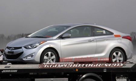 Шпигуни запримітили нове купе Hyundai Elantra