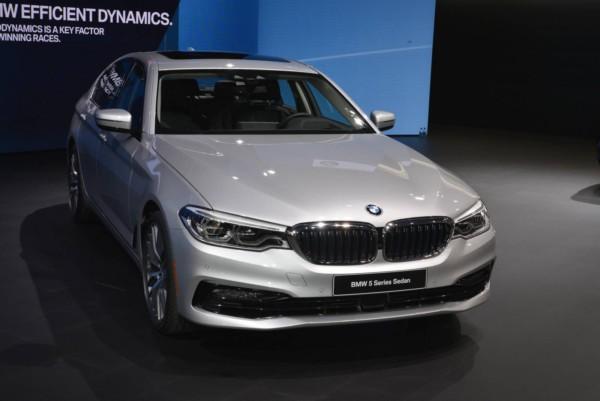 BMW 5-Series 2018: дебют у Детройті