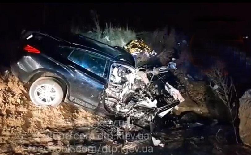 Смертельне ДТП в Києві: молоді люди на BMW X6 наробили лиха