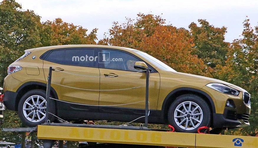 Серійний кросовер BMW X2 помітили без камуфляжу
