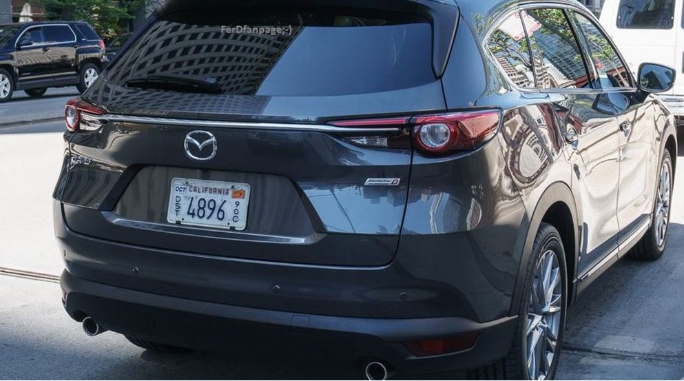 Mazda CX-8: перше фото нового кросовера