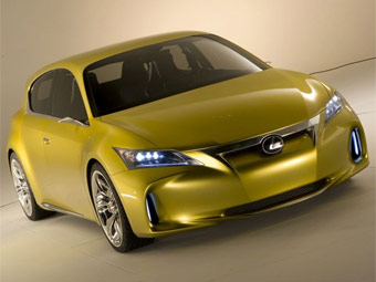Компанія Lexus розсекретила зовнішність нової моделі