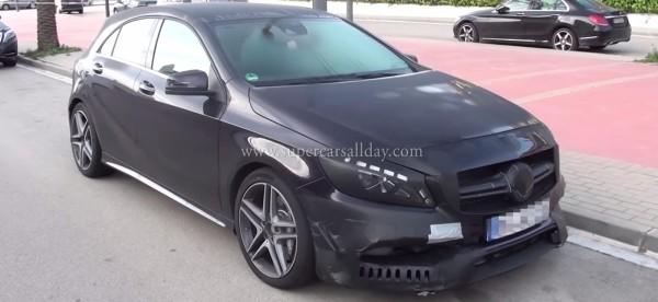 Новий Mercedes попав на відеокамеру
