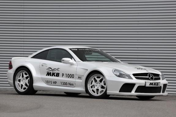 Mercedes розігнали до 350 км/год