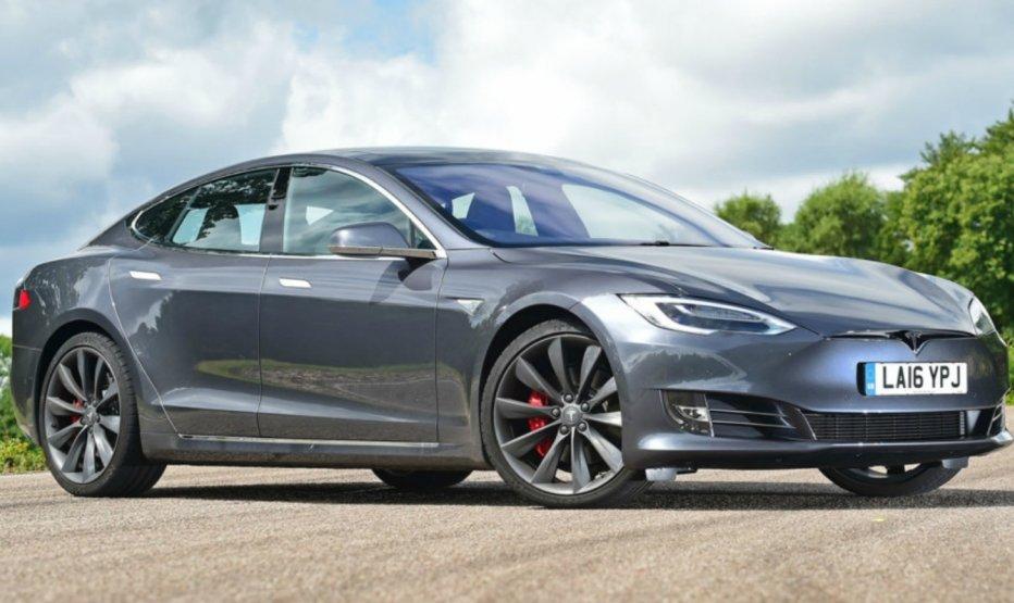 Tesla показала нові версії Model S і Model X