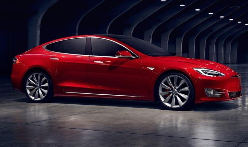 Нова Tesla Model S: 600 кілометрів без