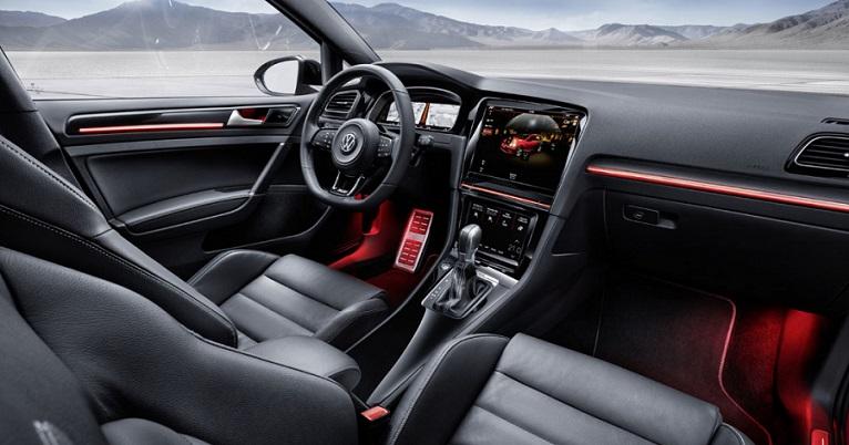 Компанія Volkswagen розказала про новий Golf VIII