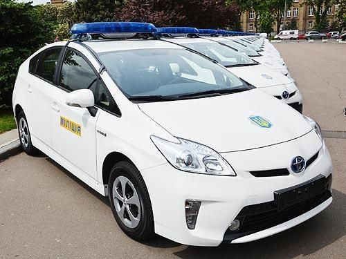 Тепер українські водії будуть уступати дорогу новим відомствам