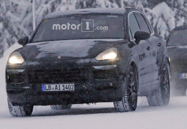 Porsche Cayenne 2018: перші тести кроссовера