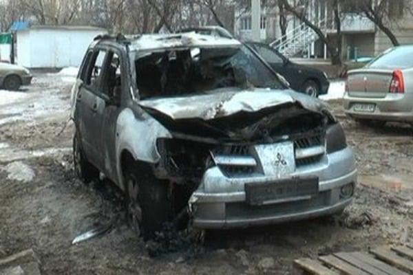 Поліцейському спалили автомобіль