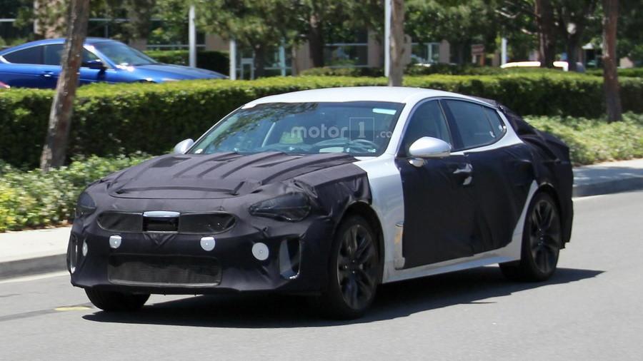 Stinger - новий седан від Kia