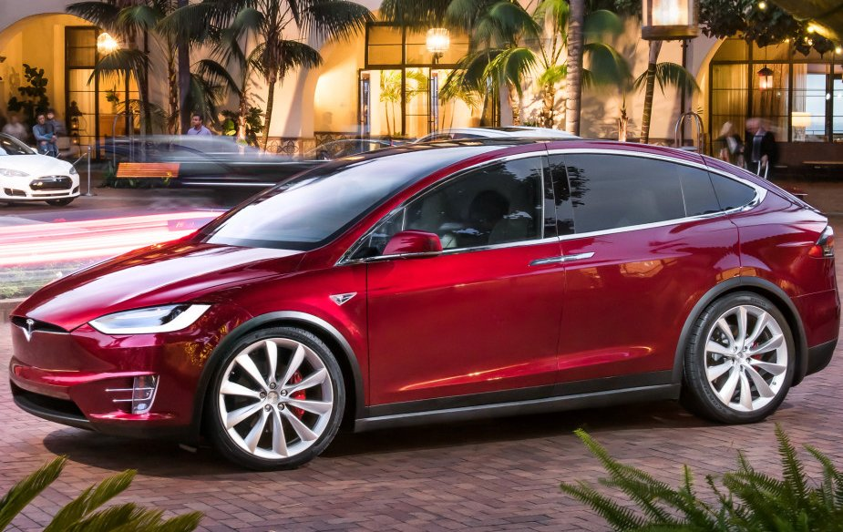 Tesla з автопілотом потрапив у нове ДТП