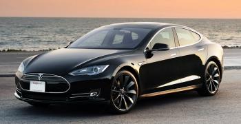 Tesla Model S оновлює програмне забезпечення