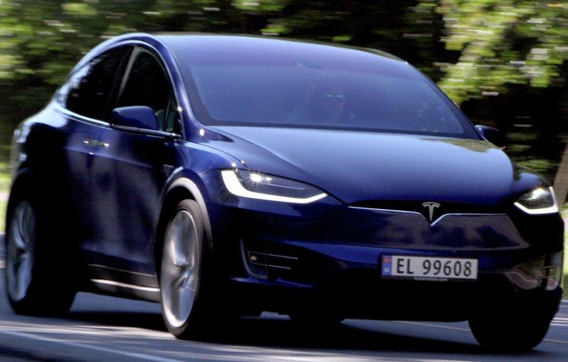 На електромобілі Tesla змінилися ціни