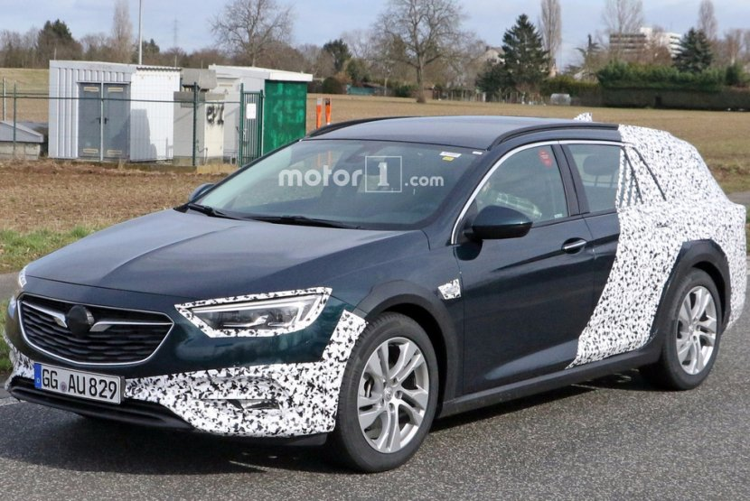 Opel тестує новий універсал Insignia