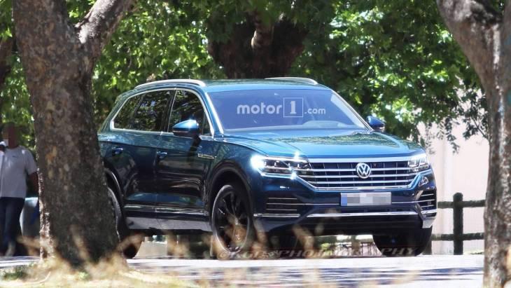 Новий кросовер Volkswagen Touareg розсекретили раніше терміну