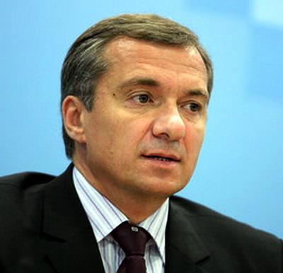 Україна має дотримуватись взятих на себе зобов'язань. Олександр Шлапак пропонуватиме Президентові ветувати прийнятий ВРУ закон.