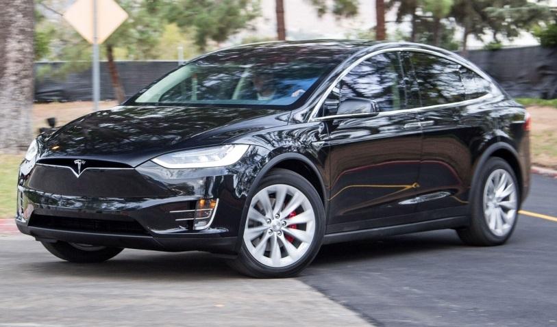 Tesla наробила