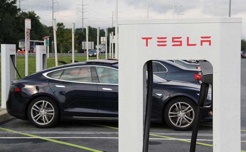 Tesla відкриває бізнес в Україні