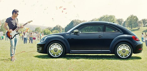 Volkswagen представив спецверсію Beetle Fender Edition