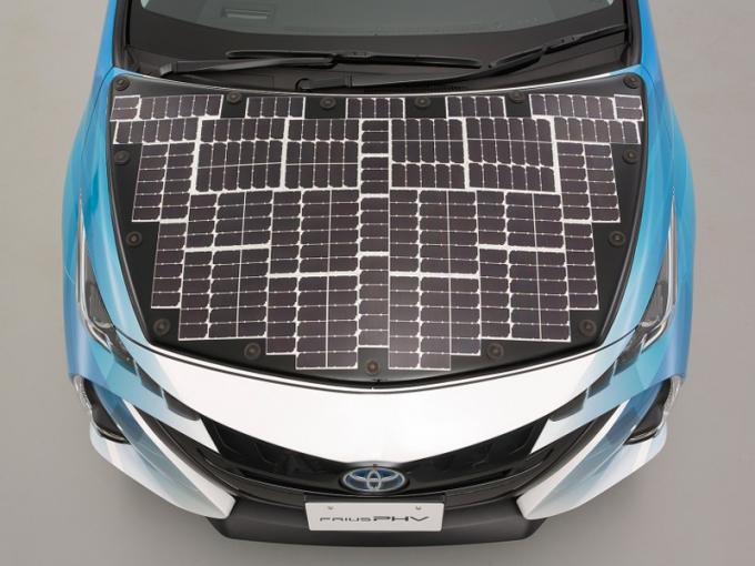 Toyota Prius працюватиме від сонячних батарей