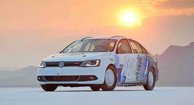Гібрийдний Volkswagen Jetta поставив рекорд
