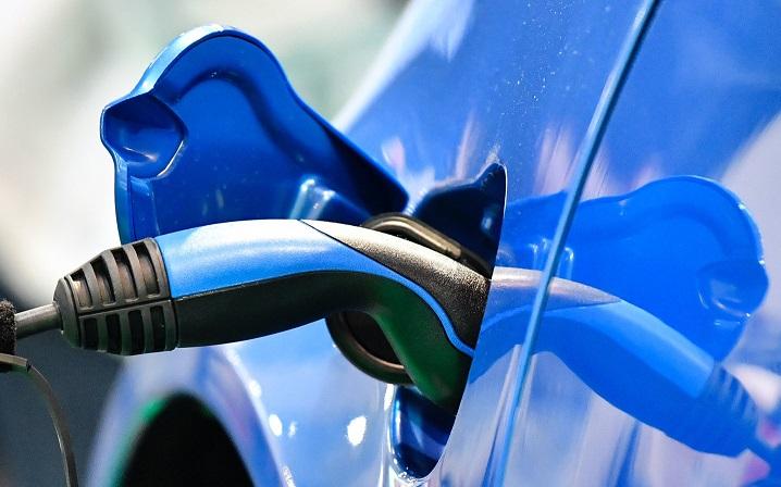 2024 рік: вартість електричних та бензинових автомобілів зрівняється