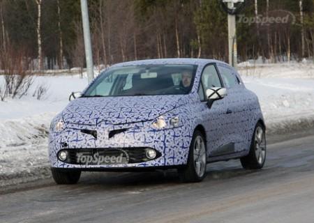 Нове покоління Renault Clio відмічено під час тестів