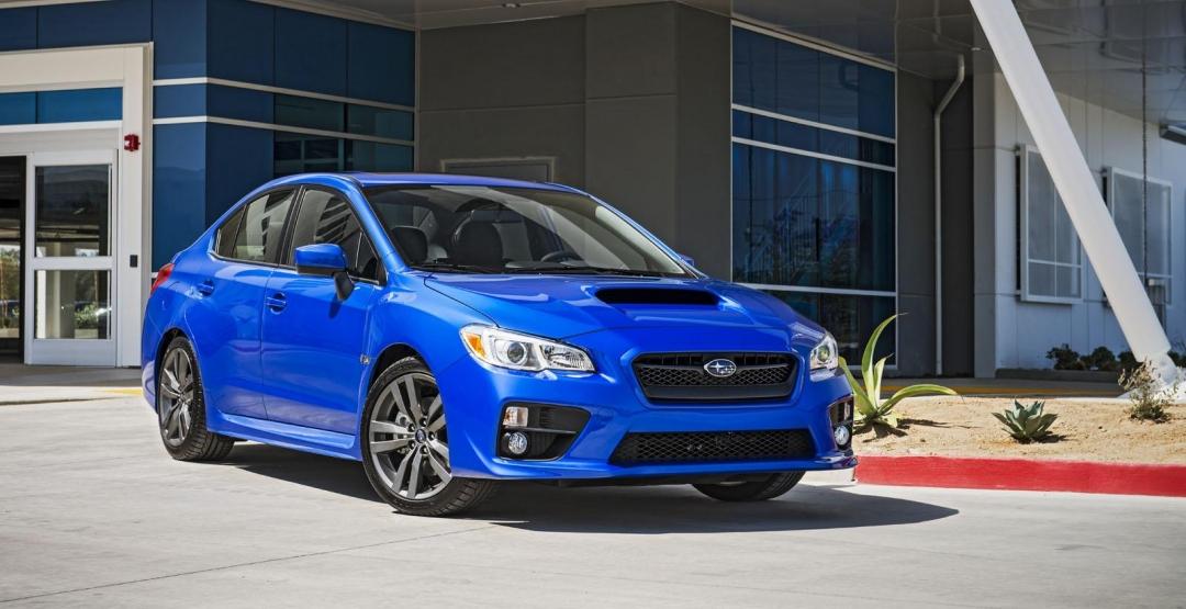 Subaru модернізувала два седани