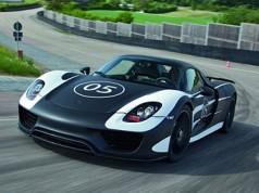 Гібридний суперкар Porsche 918 Spyder