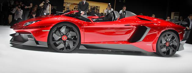 У Женеві дебютував відкритий Lamborghini Aventador J