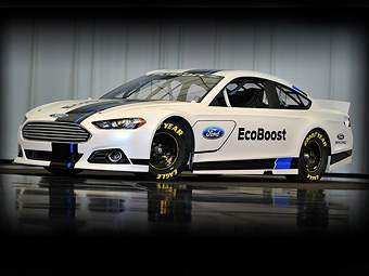 Новий Ford Fusion перетворили на гоночну машину NASCAR