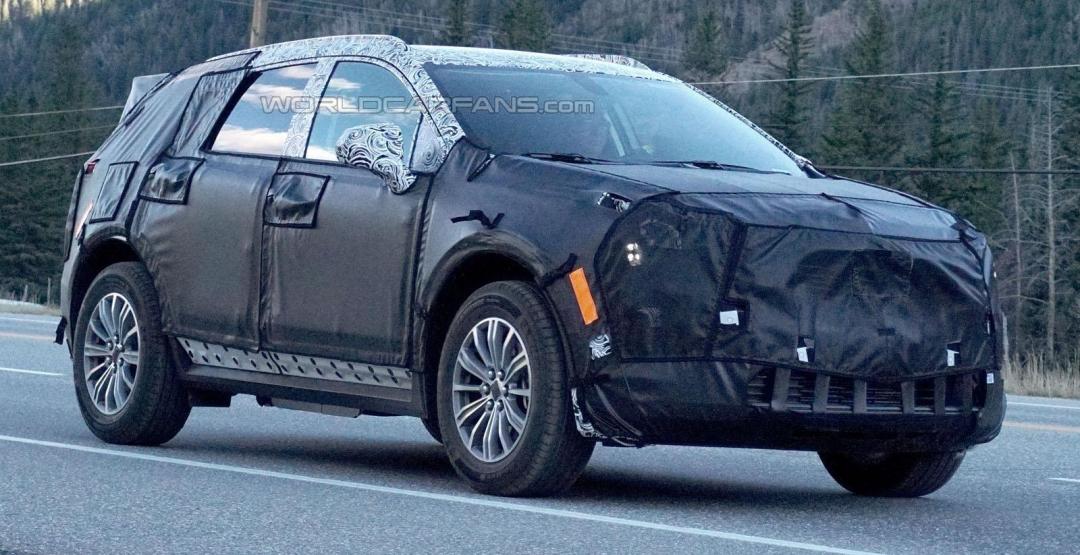 Кросовер XT5 від Cadillac проходить тестування