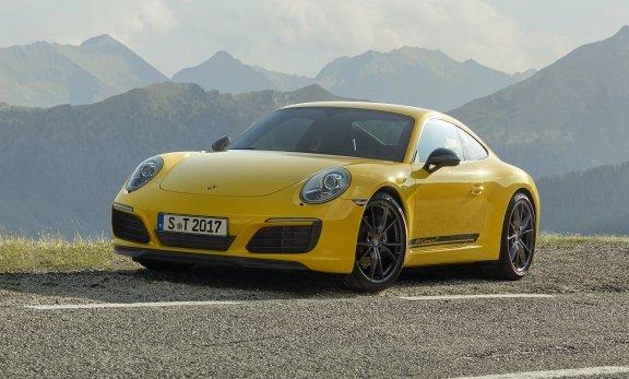 «Бюджетний» спорткар: Porsche представив купе 911 Carrera T