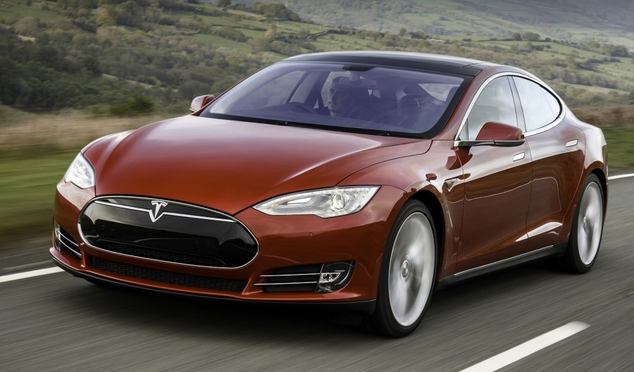 Tesla Model 3: початок замовлень