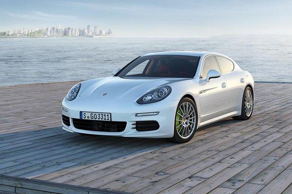 Новий Porsche Panamera: озвучені ціни в Україні