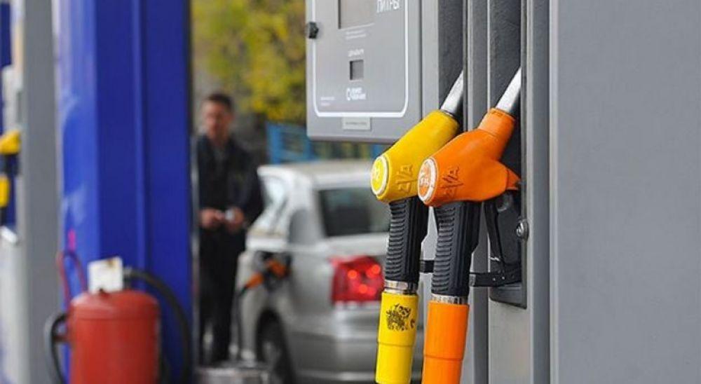 Зниження цін на АЗС триває